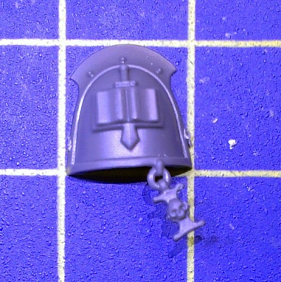 Wh40k GK Strike Squad Shoulder Pad D