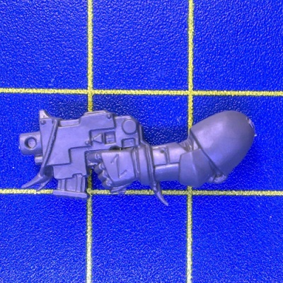 Wh40k SW Pack Bolt Pistol Left B