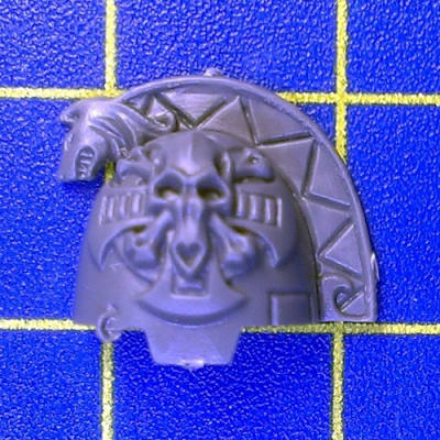 Wh40k SW Wolf Guard Terminators Shoulder Pad B