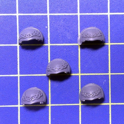 WhAoS Dwarfs Ironbreakers Shoulder Pad Right